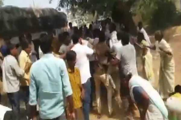 andhra-1-dead-in-clashes-in-phase-1-of-voting