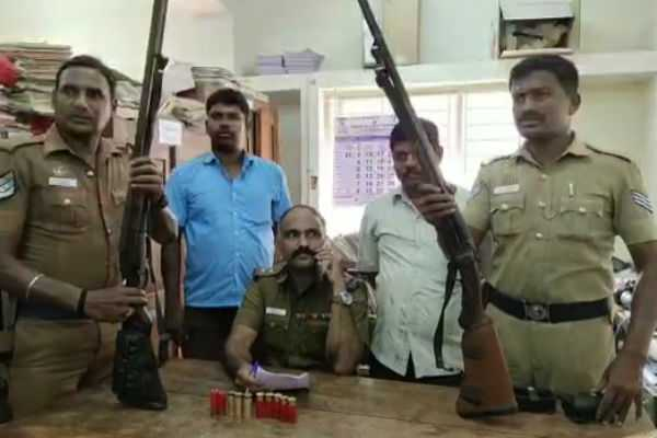 41-lakhs-and-two-guns-seized-in-kovai