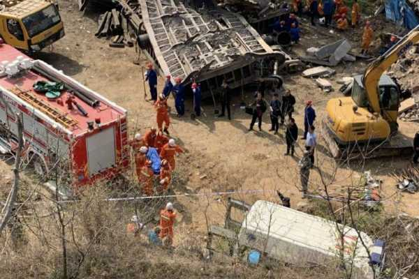 4-killed-2-missing-after-chinese-freight-train-derails