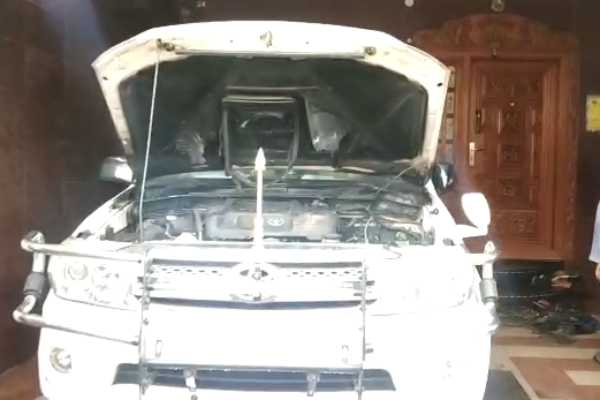 petrol-bombing-on-dmk-area-secretary-car