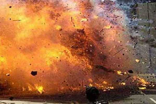 bomb-blast-in-pakistan-16-killed