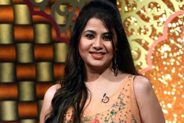 sangeetha-twit-about-her-mother