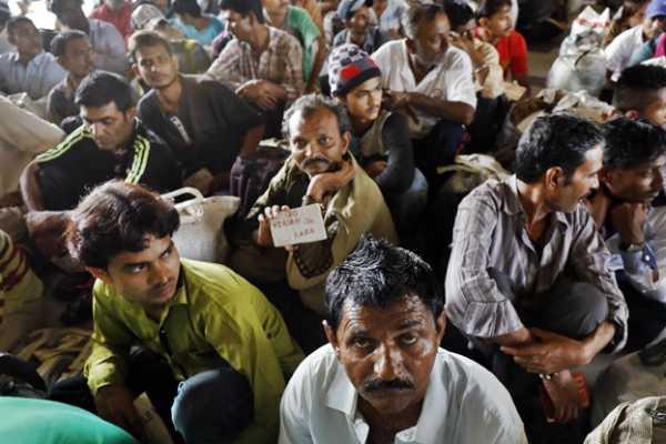 pakistan-releases-100-indian-fishermen