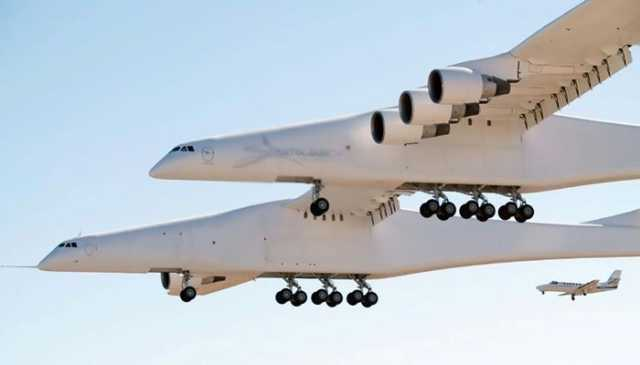 world-s-largest-airplane-makes-first-test-flight