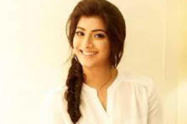 varalaxmi-sarathkumar-next-in-the-action-movie