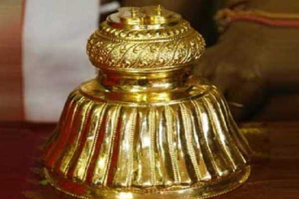 the-blessing-of-the-sadari-blessing-the-pillars-of-gold