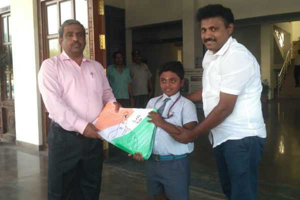 8-year-old-boy-who-drawn1050-paintings-to-inspire-100-vote