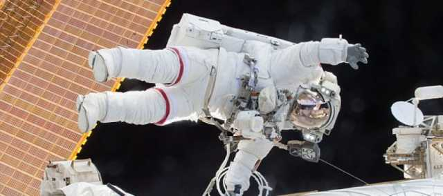 us-astronaut-cook-to-set-new-women-s-record