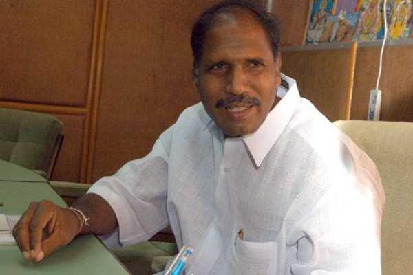 election-squad-raid-at-rangasamy-house-in-puducherry