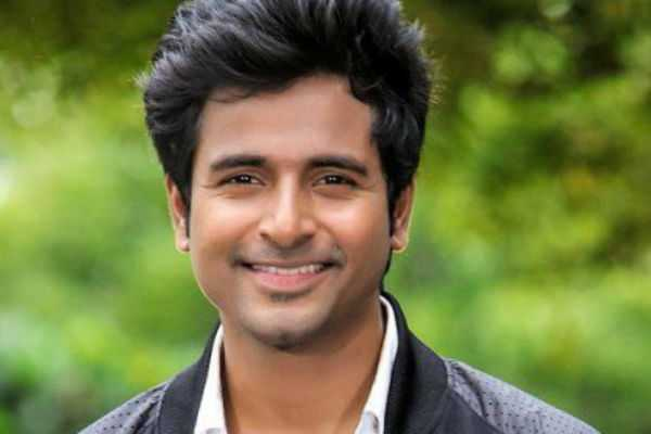 sivakarthikeyan-returned-without-voting