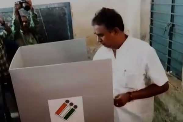 voted-has-tamilnadu-ministers
