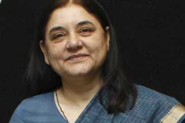 menaka-gandhi-poonam-sinha-files-her-nomination