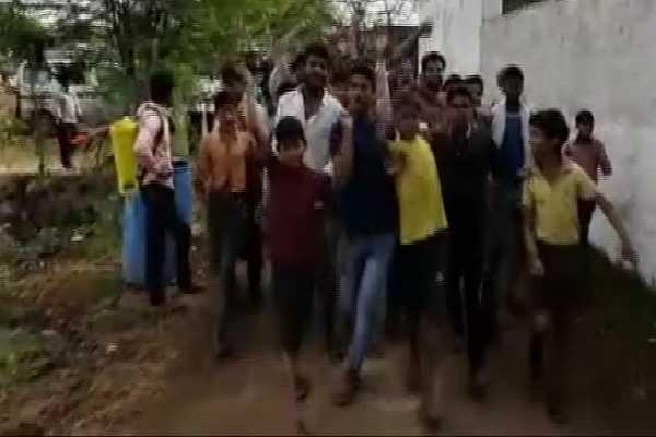fatehpur-sikri-villagers-of-mangoli-kala-boycott-election