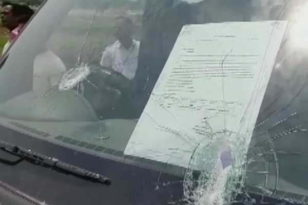 west-bengal-cpm-candidate-from-raiganj-mohammad-salim-s-vehicle-attacked
