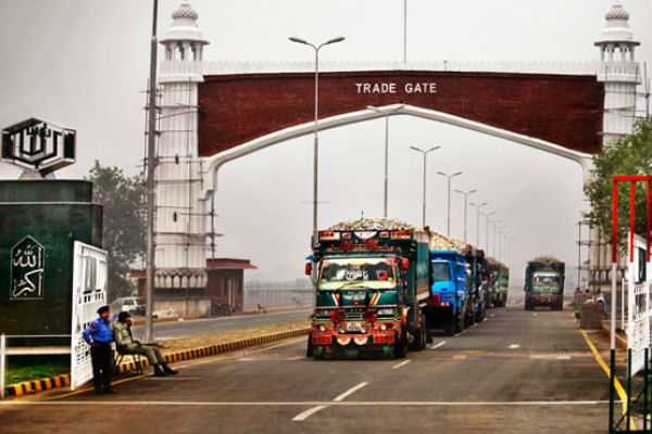 india-bans-trade-with-pakistan-by-loc