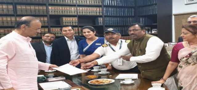 jet-airways-delegation-meets-arun-jaitley-seeks-pending-salaries