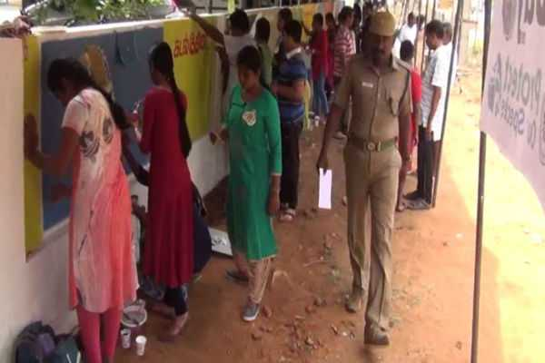 painting-competition-for-the-world-earth-day-in-the-nellai