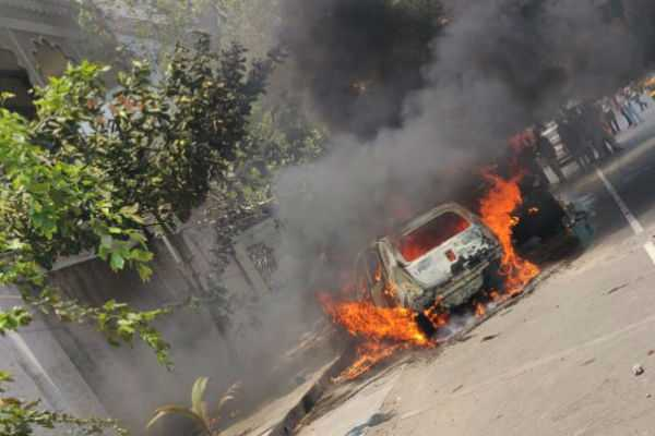 a-car-in-the-fire-suddenly-burned-in-chennai