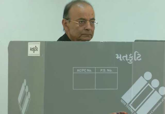 finance-minister-bjp-leader-arun-jaitley-casts-his-vote-at-a-polling-booth-in-ahmedabad