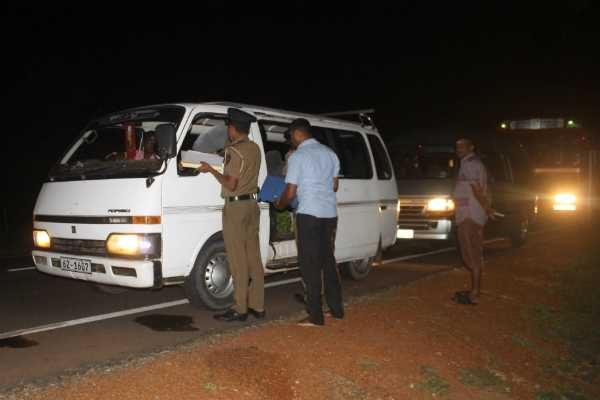 all-police-stations-in-colombo-advised-to-be-on-high-alert-about-a-lorry-and-van-suspected-to-be-carrying-explosives-police