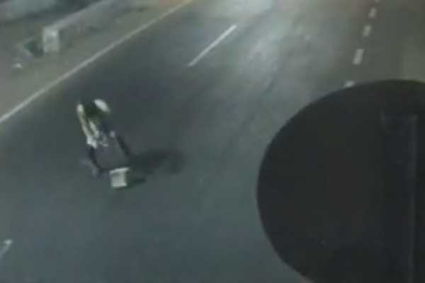 one-man-death-on-collide-a-stone-in-the-middle-of-the-road
