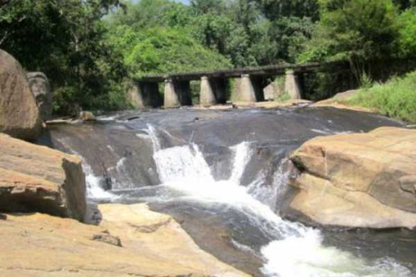 banned-from-bathing-in-kumbakkarai-falls