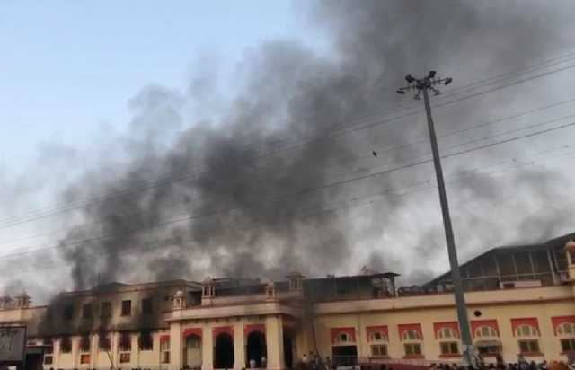 fire-breaks-out-inside-a-canteen-in-gwalior-railway-station