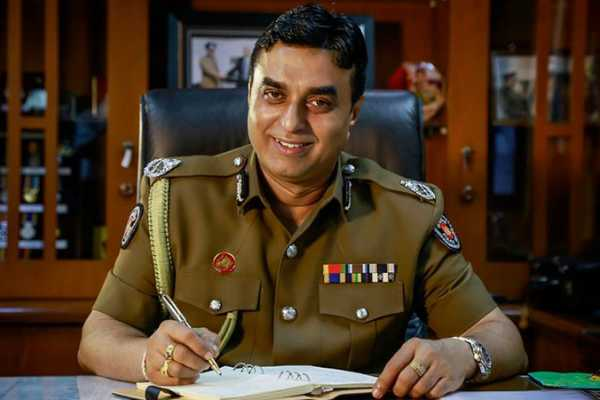 sri-lanka-police-chief-pujith-jayasundara-resigns-over