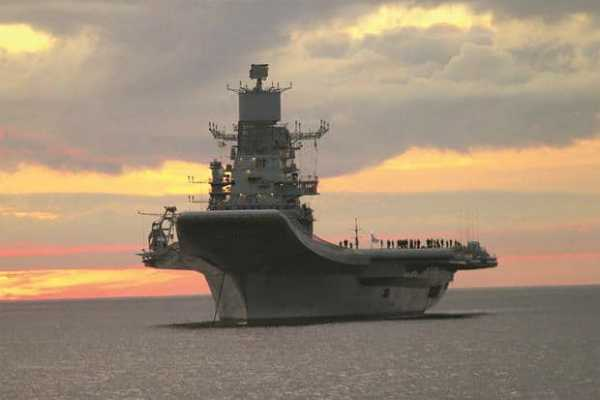 ins-vikramaditya-catches-fire-naval-officer-dies