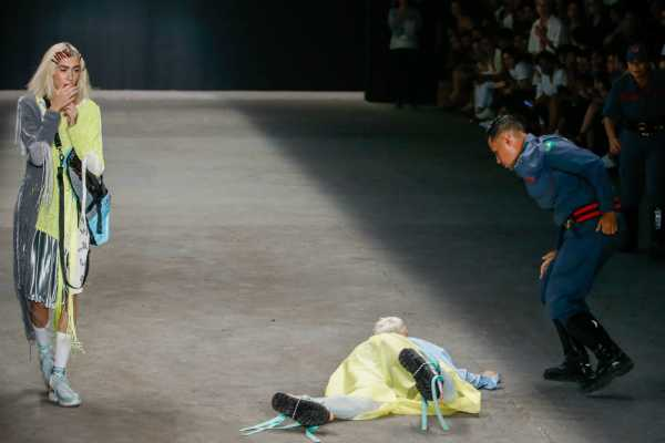 brazilian-model-dies-after-collapsing-on-catwalk-at-fashion-week