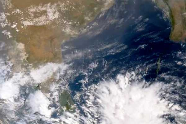 hyderabad-fani-cyclonic-storm-is-going-to-be-intensify-from-severe-to-very-severe-cyclonic-storm-in-next-24-hours