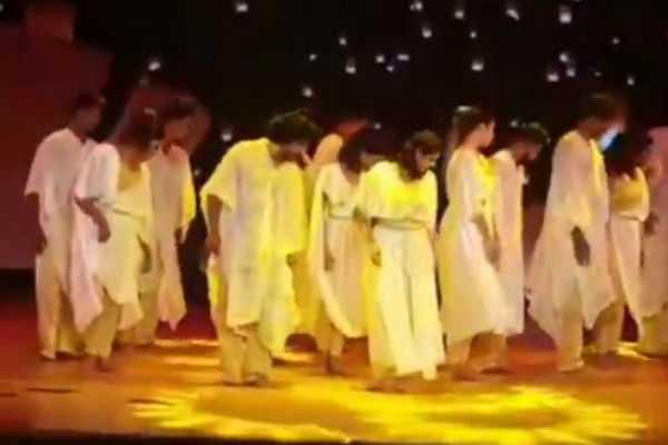 varalaxmi-sarathkumar-dancing-video