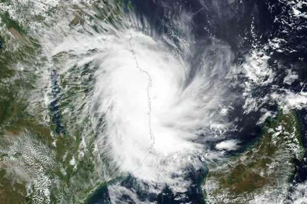 fanni-storm-crosses-the-odisha-wind-will-be-205-km