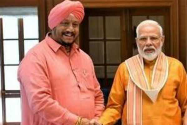 bjp-councillor-who-used-to-sell-tea-elected-north-delhi-mayor