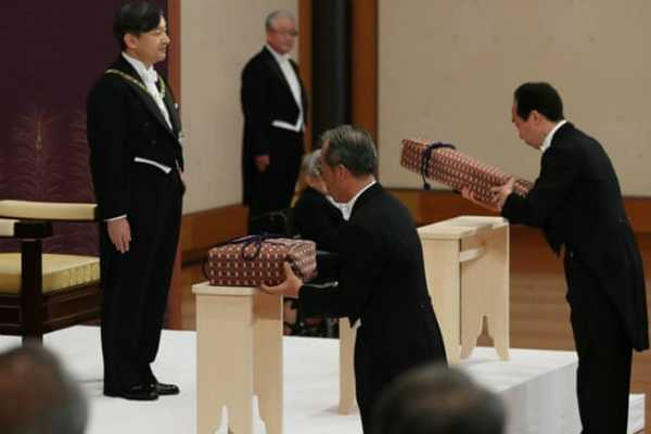 emperor-naruhito-takes-the-throne-and-a-new-era-arrives-in-japan
