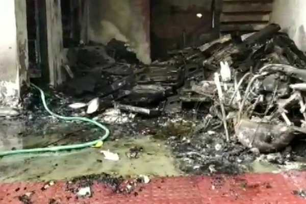 5-members-of-a-family-died-due-to-fire-accident-in-lucknow