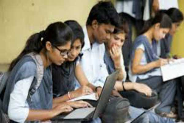 10th-board-exam-result-10-lakh-students-fail-in-hindi