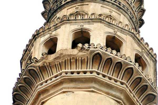 charminar-hyderabad-s-symbol-damaged-as-chunk-of-pillar-falls
