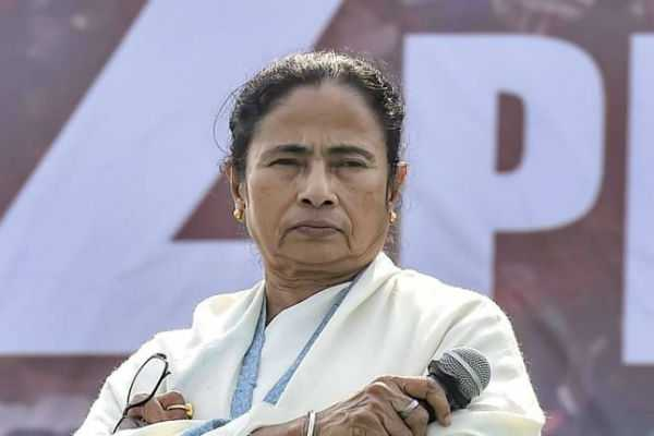 cyclone-effect-mamta-cancels-all-political-rallies-for-two-days