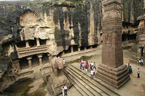 world-s-biggest-single-stone-temple