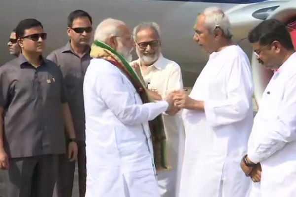 pm-modi-arrives-in-odisha