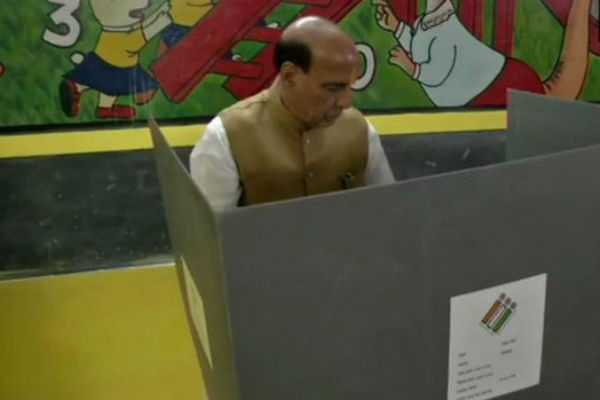 rajnath-mayawati-caste-their-votes-in-lucknow
