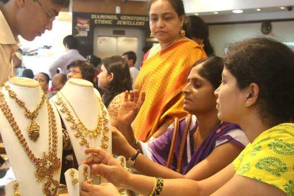 aysha-trithi-gold-sales-in-shops