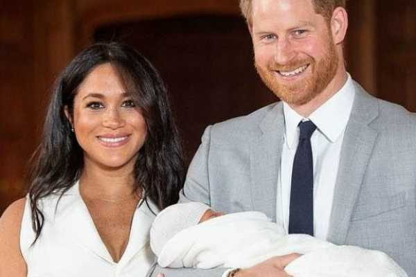 prince-harry-and-meghan-markle-s-with-their-baby-boy-first-photos-out