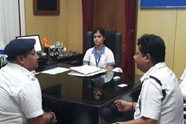 isc-toppers-kolkata-girl-made-dcp-for-a-day