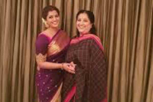 mother-day-wishes-by-varalaxmi-sarathkumar