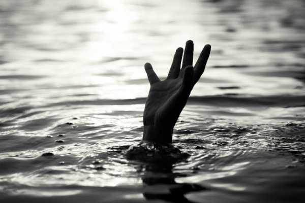 4-students-were-caught-in-the-wave-and-drowned-in-the-sea
