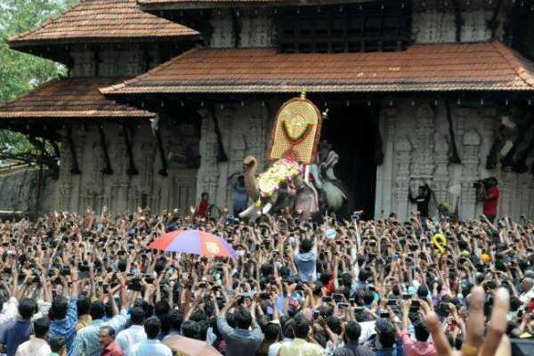 pooram-festival-begins-in-kerala