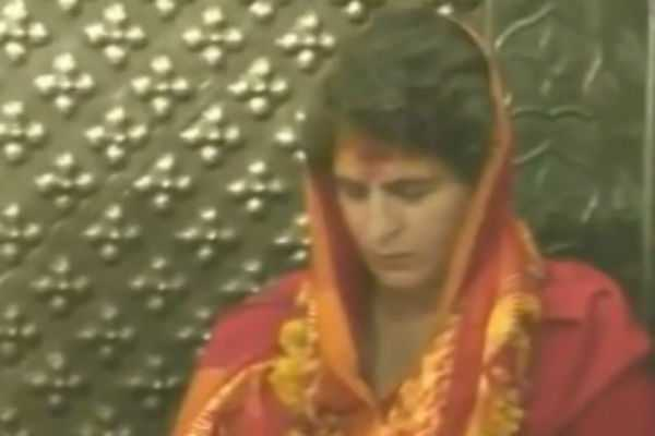 priyanka-speacial-prayer-at-ujjain-temple