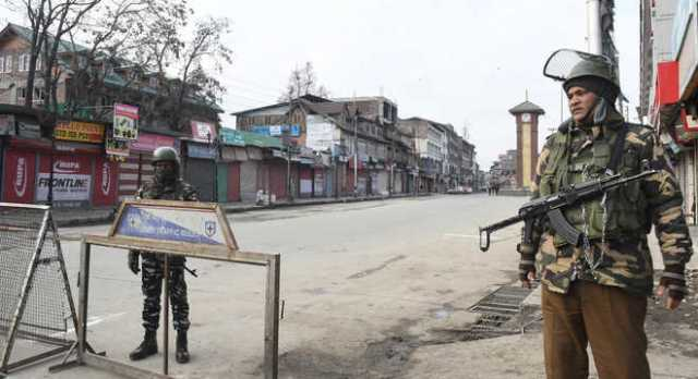 normal-life-affected-in-kashmir-due-to-separatists-strike-against-civilian-killing